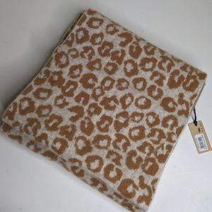 NWT halogen leopard print wool/cashmere scarf (m)